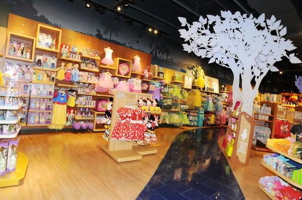 Melhores lojas para o enxoval do bebê em Orlando: loja Disney Store