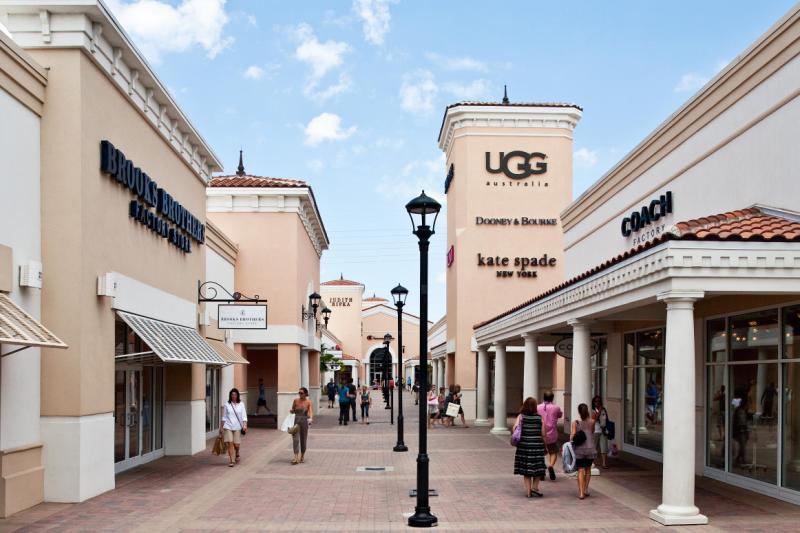 Lojas no Premium Outlets International Drive em Orlando