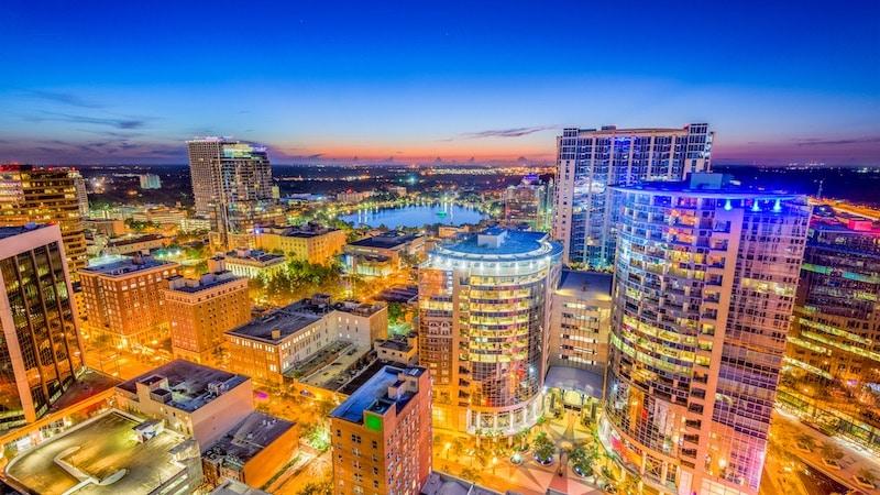 Cidade de Orlando à noite