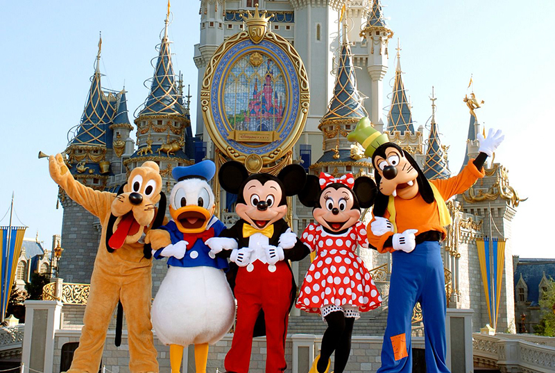 Personagens da Disney no parque Magic Kingdom em Orlando