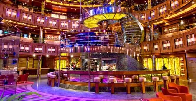 Cruzeiro Disney Magic: interior do navio