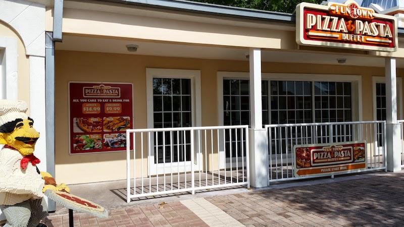 Parque Legoland da LEGO em Orlando: Fun Town Pizza & Pasta Buffet