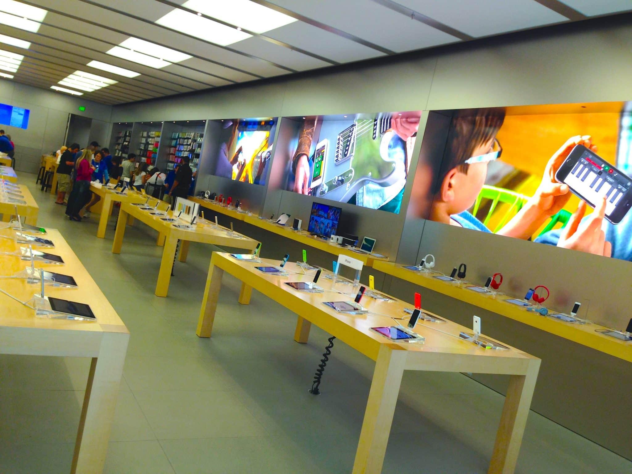 Interior da loja da Apple em Orlando