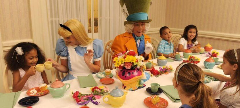 Restaurantes da Disney com personagens: Wonderland Tea Party