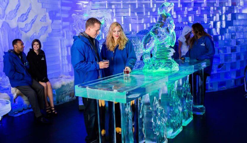 Bar de gelo IceBar em Orlando: interior do bar