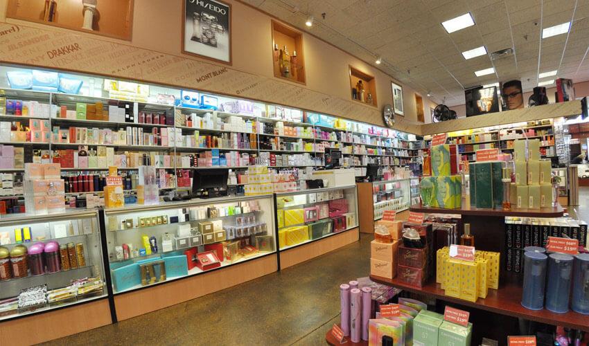 Interior da loja Perfumeland em Orlando