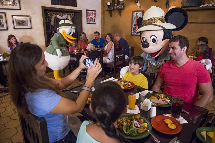 Restaurantes da Disney com personagens: Tusker House
