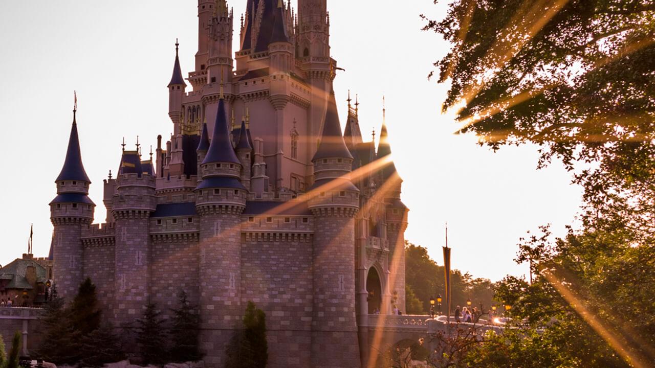 Castelo da Cinderela no parque Magic Kingdom em Orlando