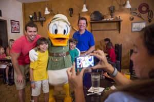 Foto com personagens Disney em Orlando