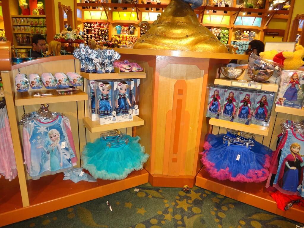 World of Disney, a maior loja Disney de Orlando: Frozen