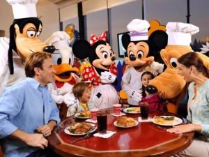 7 dicas para comer e beber em Orlando: Restaurantes da Disney com personagens