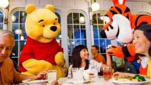 7 jantares com personagens Disney e Universal em Orlando: Restaurante Crystal Palace Orlando