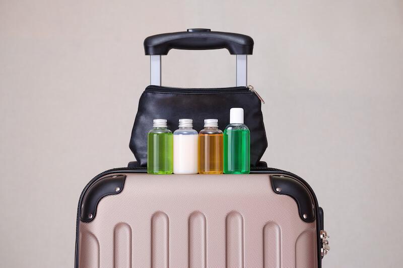 Mala com produtos de higiene em Orlando