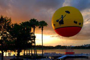 Passeio de balão na Disney Springs