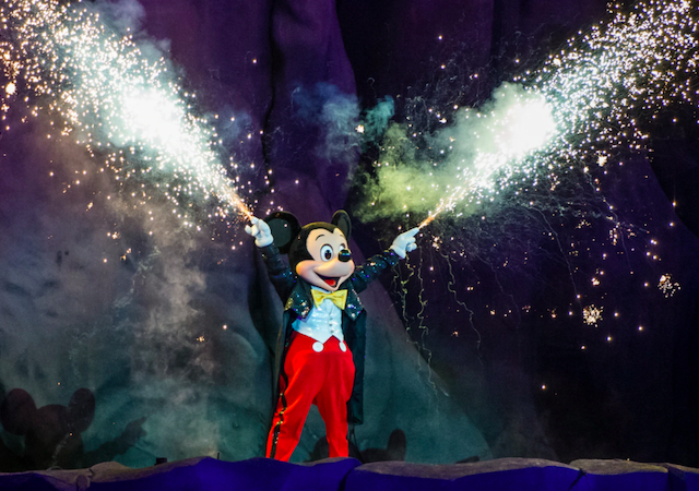 Mickey no show Fantasmic no parque Hollywood Studios da Disney Orlando