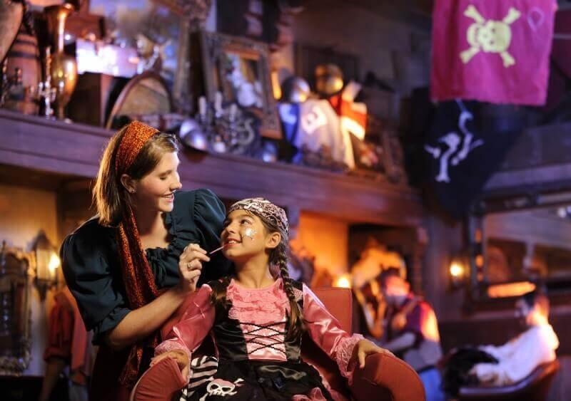 Aniversário na Disney e parques de Orlando: The Pirates League