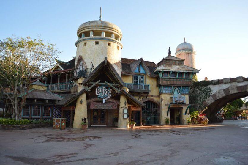 Restaurantes do parque Islands of Adventure em Orlando: restaurante Confisco Grille