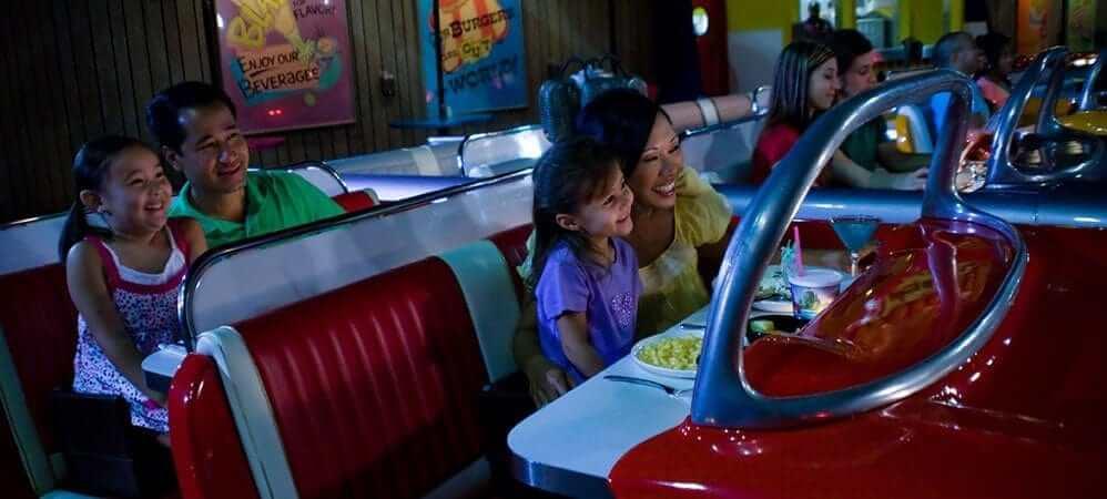 Disney Orlando para crianças: restaurante Sci-Fi Dine-In
