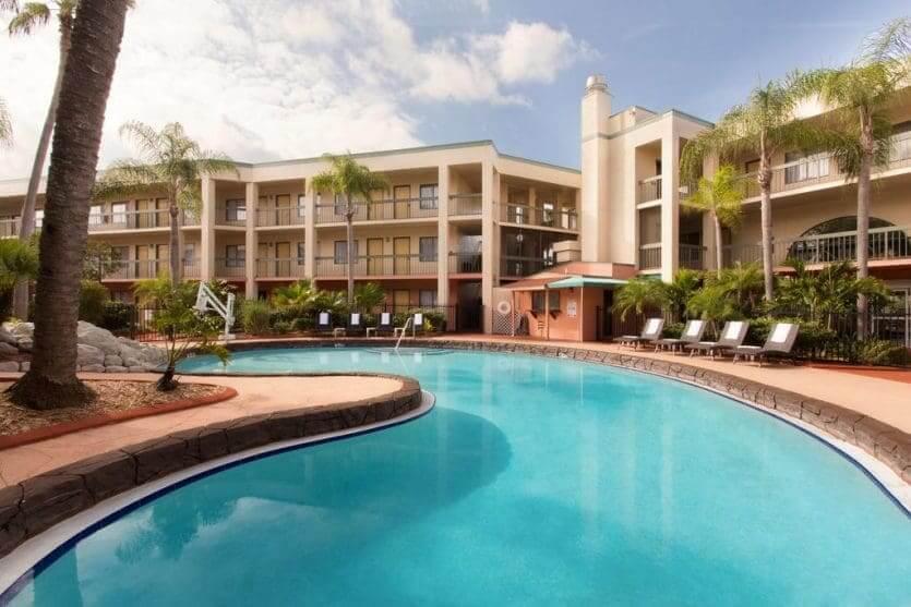 Hotéis próximos aos parquesem Orlando: hotel Baymont Inn & Suites Tampa near Busch Gardens