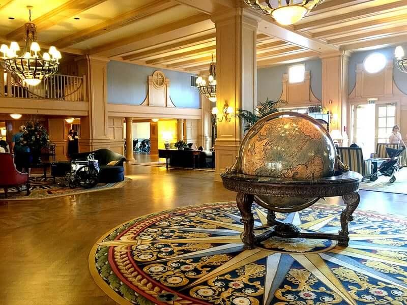 Disney's Yacht Club Resort: saguão do hotel