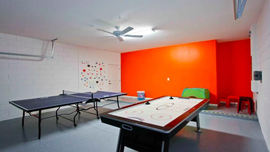 Condomínio de casas Bella Vida Resort em Orlando: salão de jogos