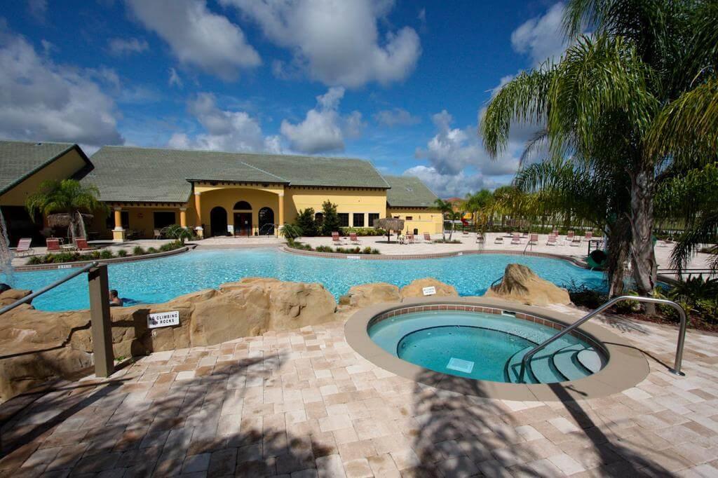 Condomínio de casas Paradise Palms Resort em Orlando: piscina