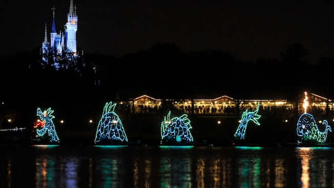 Bay Lake Tower at Disney's Contemporary Resort: Electrical Water Pageant