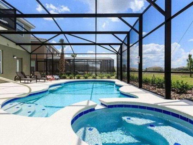 Condomínio de casas Solterra Resort em Orlando: piscina
