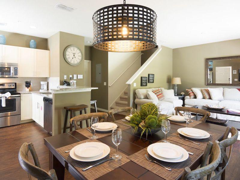 Condomínio de casas Lucaya Village Resort em Orlando: interior da casa