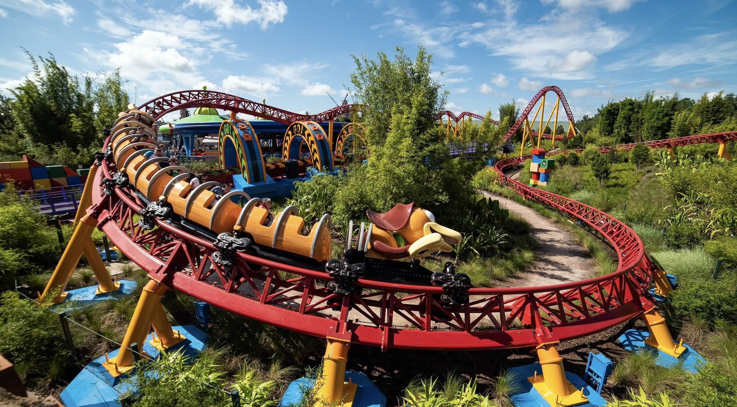 Montanha-russa Slinky Dog Dash na área de Toy Story no Disney Hollywood Studios