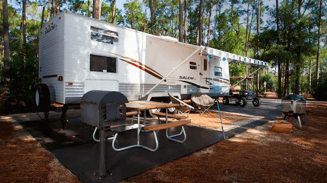 The Campsites e Cabins no Disney's Fort Wilderness Resort: área de acampamento premium