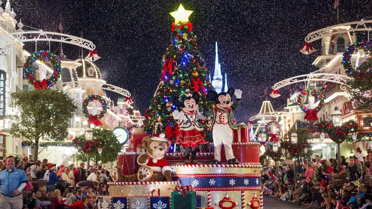 Mickey's Once Upon a Christmastime Parade no Disney Magic Kingdom