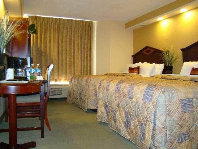 Hotéis bons e baratos em Kissimmee: Hotel Destiny Palms - quarto