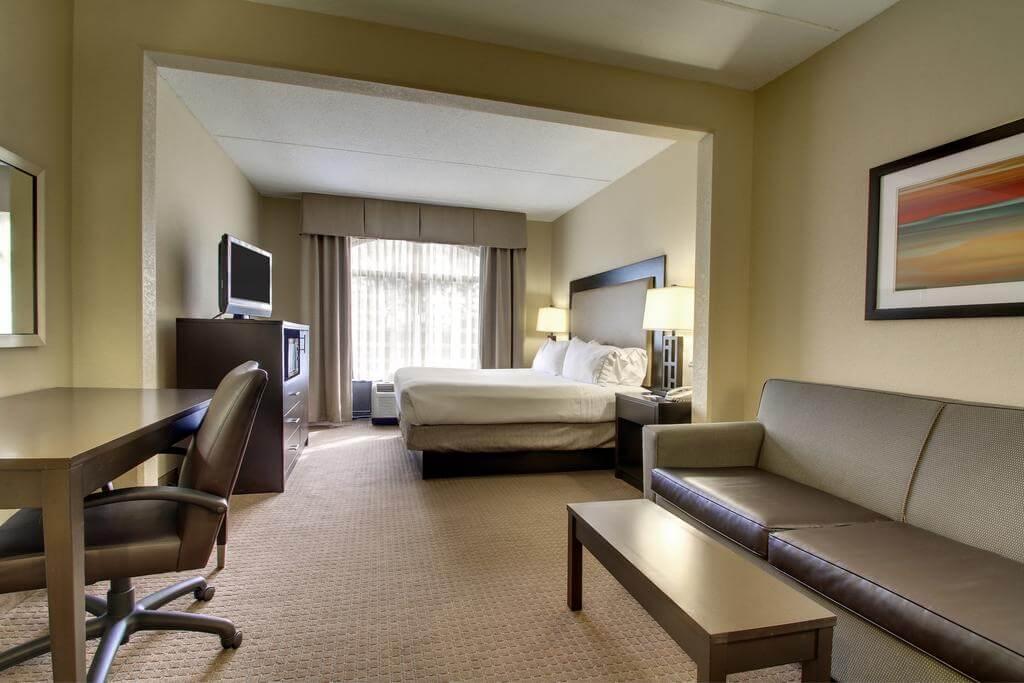 Hotéis bons e baratos em Jacksonville: Hotel Holiday Inn Express & Suites - quarto