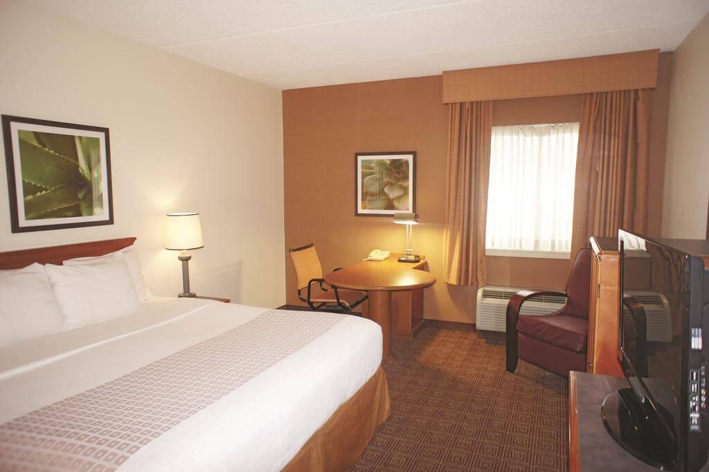 Hotéis bons e baratos em Jacksonville: Hotel HotelLa Quinta Inn & Suites - quarto