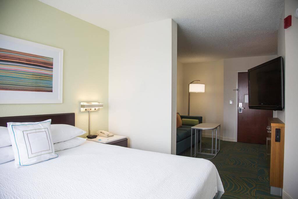 Hotéis bons e baratos em Jacksonville: Hotel SpringHill Suites - quarto