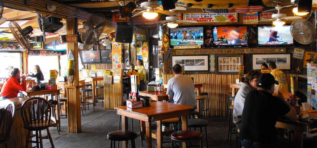 Restaurantes em Cocoa Beach: bar-restaurante Sandbar Sports Grill