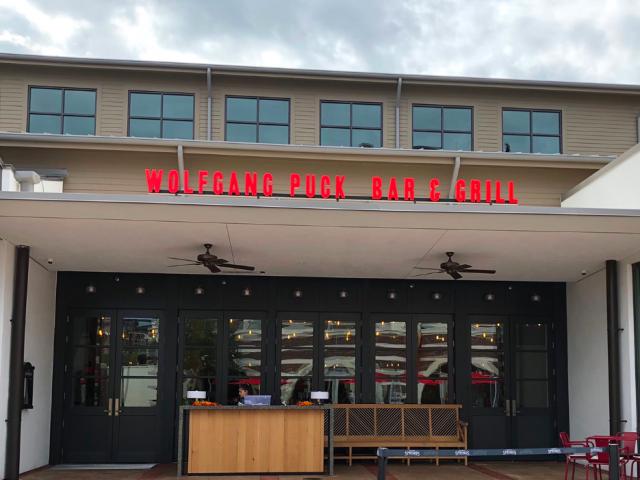 Restaurante Wolfgang Puck Bar & Grill na Disney Springs Orlando