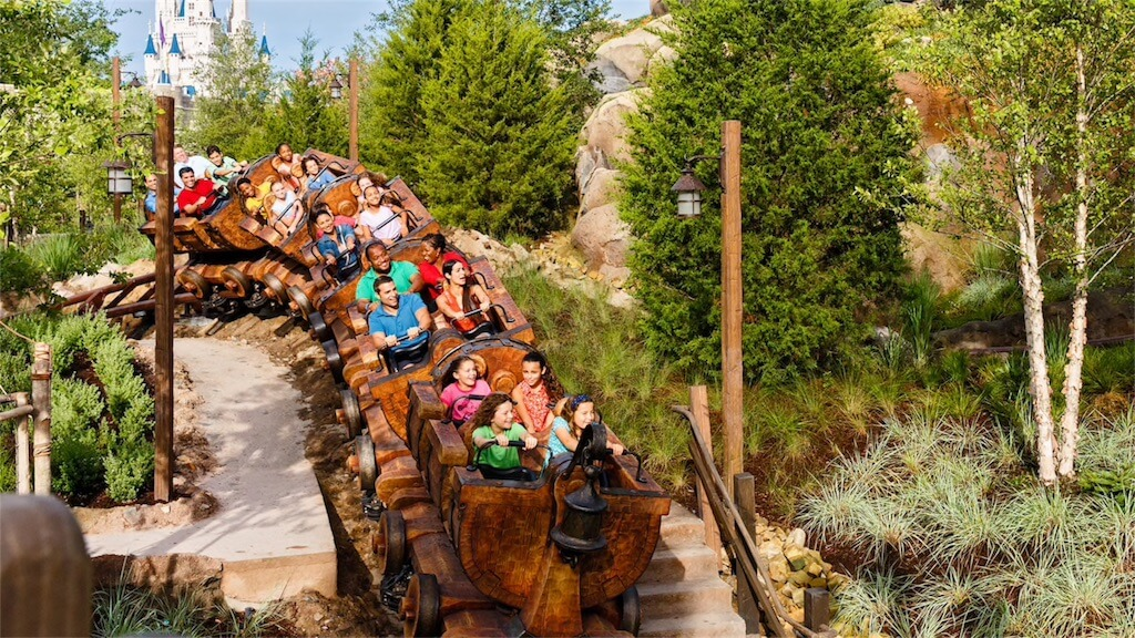 Early Morning Magic na Disney Orlando: Seven Dwarfs Mine Train