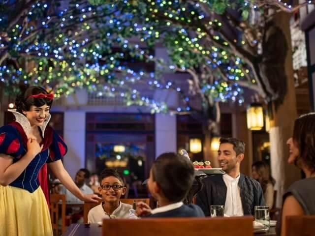 Storybook Dining: jantar com a Branca de Neve na Disney Orlando