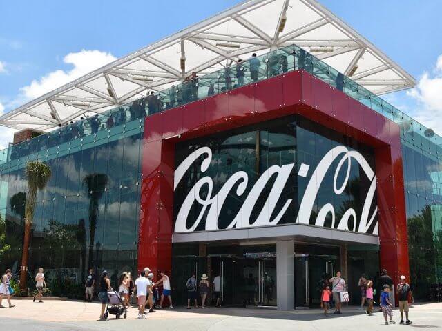 Refil de Coca-Cola por 1 dólar na Disney Springs em Orlando: Coca-Cola Store