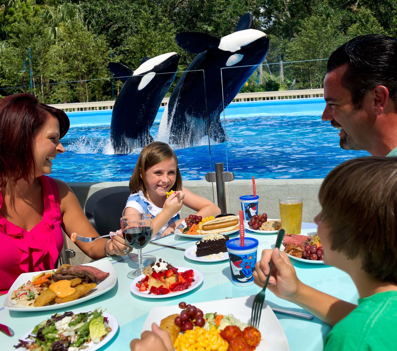 Parque SeaWorld em Orlando: Dining with Orcas