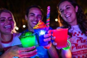 H2O Glow Nights no Typhoon Lagoon em Orlando em 2020: bebidas especiais