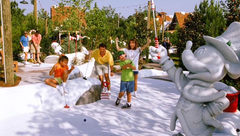 Winter Summerland Miniature Golf em Orlando: jogadores de golfe