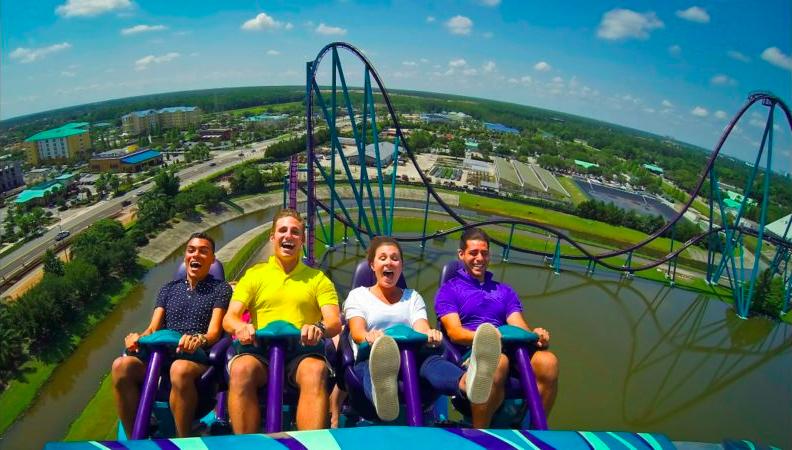 Parque SeaWorld em Orlando: montanha-russa Mako