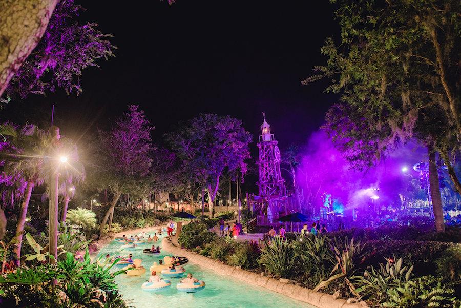 Parque Typhoon Lagoon da Disney Orlando: atrações no H2O Glow Nights