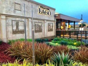 Melhores restaurantes dos hotéis da Disney em Orlando: restaurante Three Bridges Bar & Grill at Villa del Lago