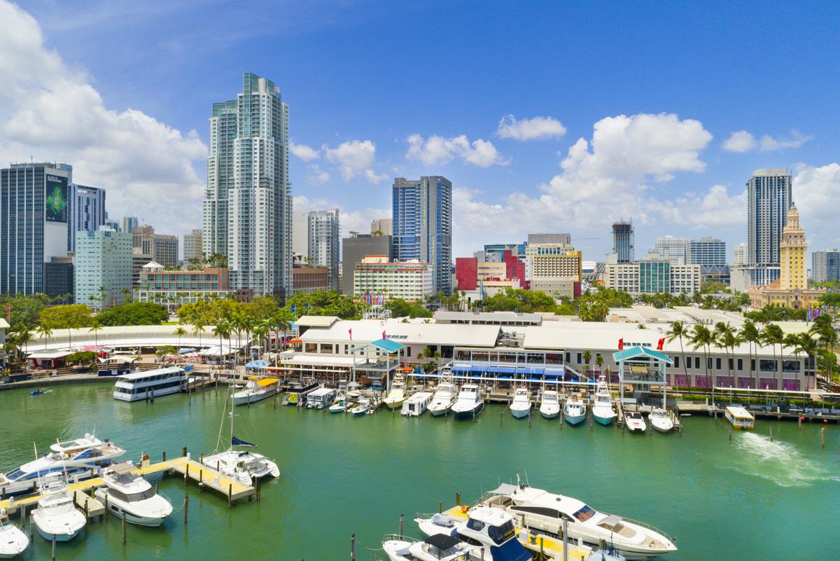 Passeio de barco por Bayside Marketplace em Miami