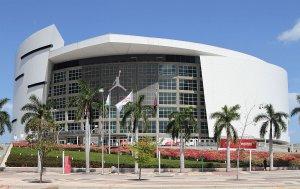 Assistir a um jogo da NBA na American Airlines Arena em Miami: estádio American Airlines Arena