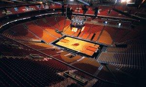 Assistir a um jogo da NBA na American Airlines Arena em Miami: interior do estádio